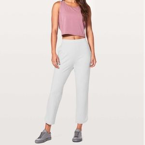 Lululemon Every Moment Pants   size 4